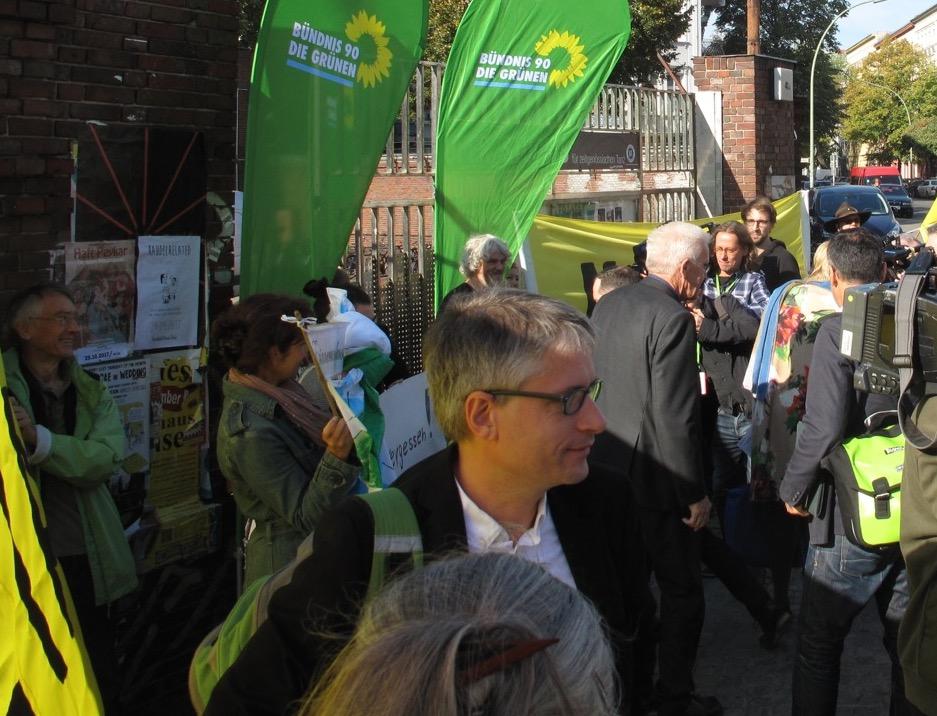 Sven Giegold (MdEP) sprach mit dem Netzwerk, Ministerpräsident Winfried Kretschmann nur mit den Journalisten
